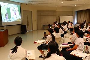 授業「生命」第5回 メディア・リテラシー講座① 乙竹文子先生