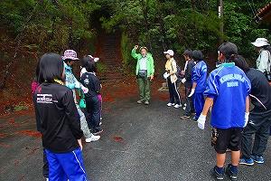 環境問題の解説と森林実習の説明