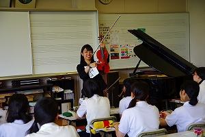 教生が頑張ってます 「音楽科」の授業