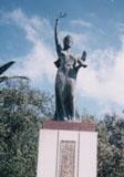 「オリーブの女神」野外彫刻イメージ