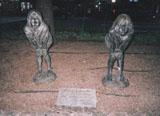 「見つめる女の子」野外彫刻イメージ