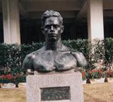 「Mr.ボース」野外彫刻イメージ